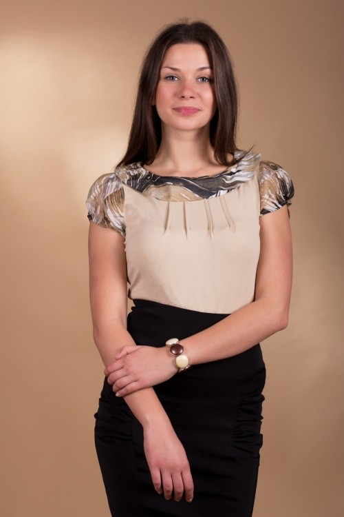 http://www.e-lenjerie.ro/bluza_de_dama_saphira_2819_bej-p6064.html?ref=D82C8D16